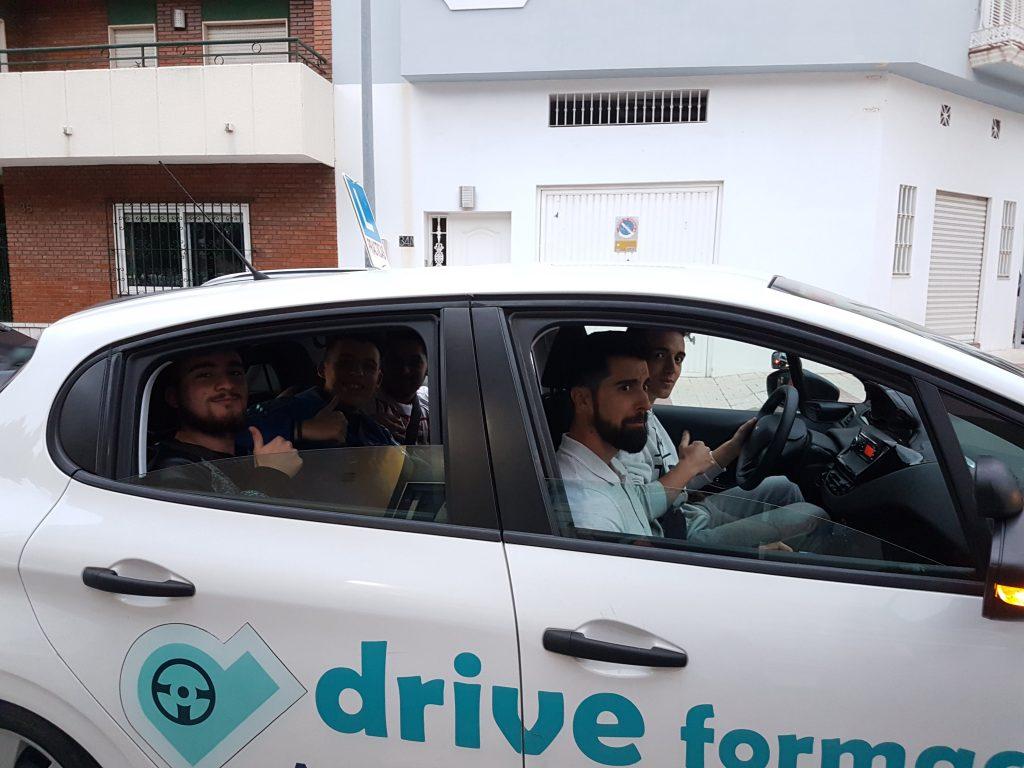 Alumnos prácticos autoescuela drive formación en Puerto de la Torre
